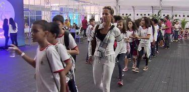 Estudantes de escolas públicas do DF visitam a Vila Cidadã