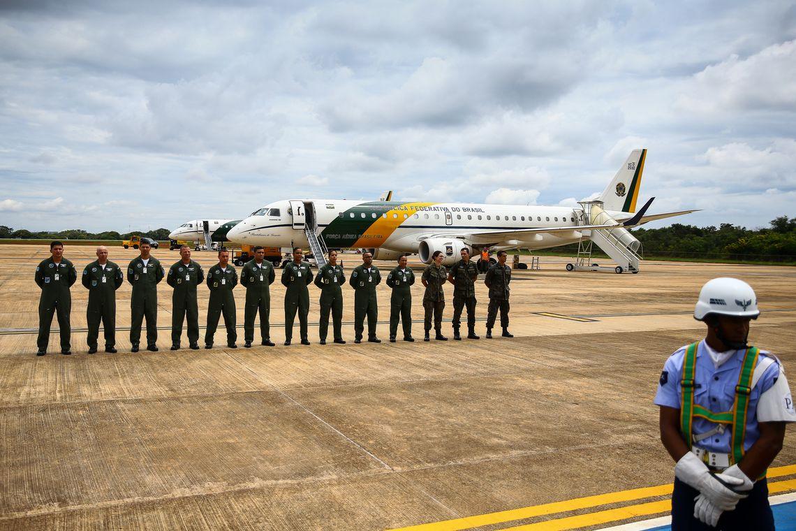 Aviões da Força Aérea Brasileira decolam de Brasília para buscar brasileiros que estão em Wuhan, na China