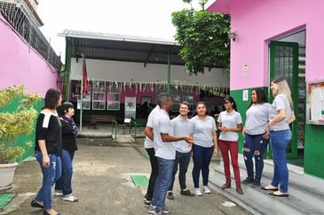 Camp Mangueira auxilia adolescentes e jovens a encontrarem emprego