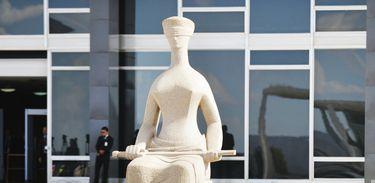 Brasília - Estátua da Justiça em frente ao Supremo Tribunal Federal (José Cruz/Agência Brasil)