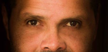 O escritor e crítico literário Roberto Medina