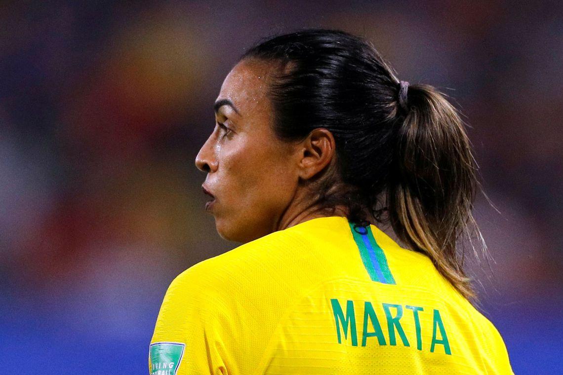 Marta faz 17º gol e supera Klose na artilharia em Copas do Mundo.