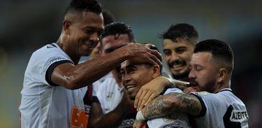 Flamengo e Vasco empataram em 4 a 4