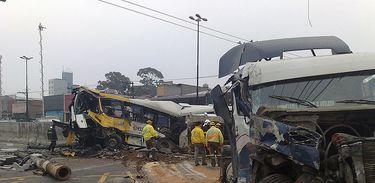 Pesquisa mostra alto número de mortes em acidentes de caminhão