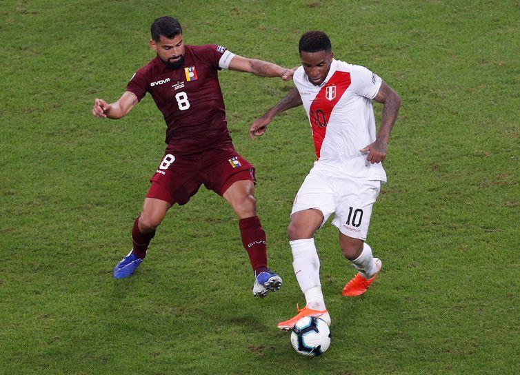 Peru e Venezuela se enfrentam na Copa América na Arena do Grêmio