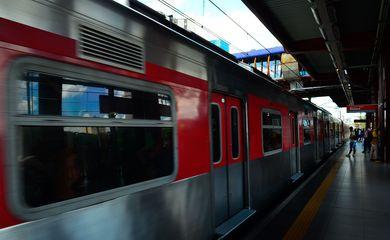 São Paulo - Integração entre o metrô Pinheiros e o trem da Linha Esmeralda (Rovena Rosa/Agência Brasil)