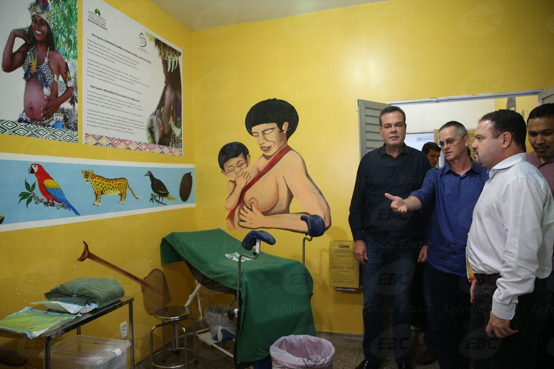 Tabatinga (AM) - Ministro interino da Saúde, Francisco de Assis Figueiredo, entrega equipamentos para ampliar atendimento indígena em aldeias do Distrito Sanitário Especial Indígena do Alto Rio Solimões (José Cruz