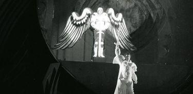 Ópera Anjo de Fogo
