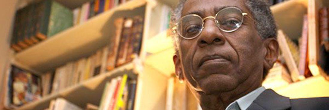 Escritor Joel Rufino dos Santos