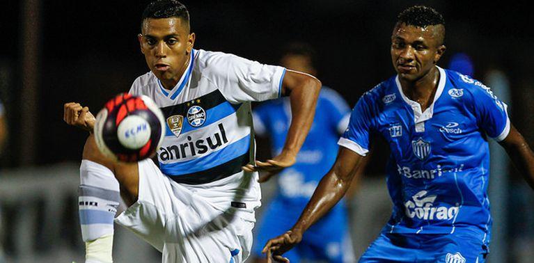 O Novo Hamburgo superou o Grêmio nos pênaltis e está na final do Gauchão