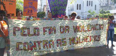 Marcha do Dia Internacional da Mulher em Salvador