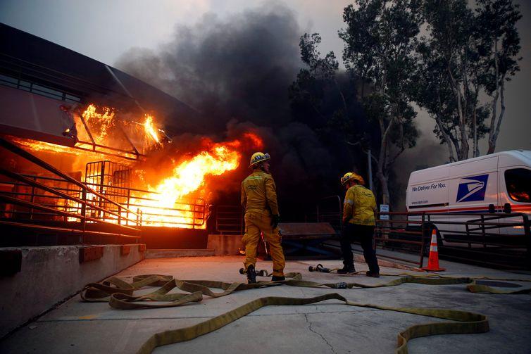 Incêndio, Califórnia, Malibu. REUTERS/Eric Thayer