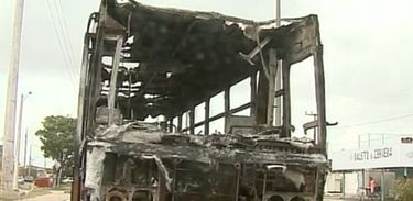 Ônibus incendiado em São Luís