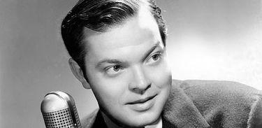 A versão radiofônica de A Guerra dos Mundos, por Orson Welles:  marco da história do rádio revisitada pela radio documenta 14