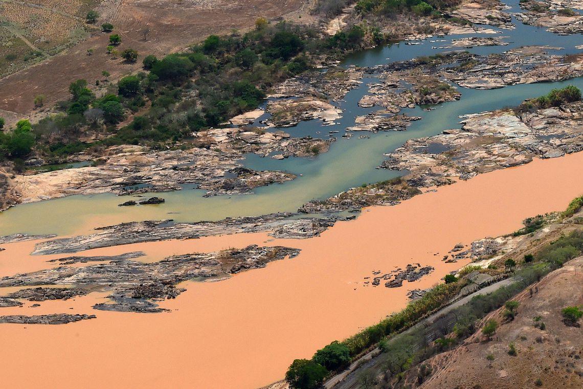 Resplendor (MG) - Imagem aéra mostra a a lama no Rio Doce, na cidade Resplendor ( Fred Loureiro/ Secom ES)