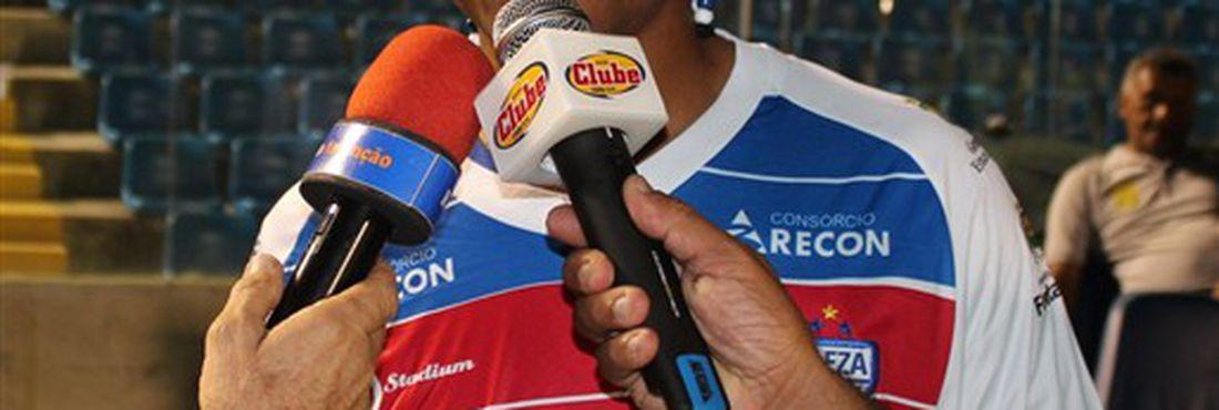 Lateral Adriano Chuva, novo reforço do Fortaleza
