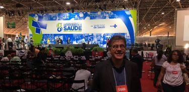 Marcus Aurélio, âncora do Todas as Vozes, na 16ª Conferência Nacional de Saúde