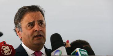 Ministro autoriza volta de Aécio ao Senado e nega pedido de prisão