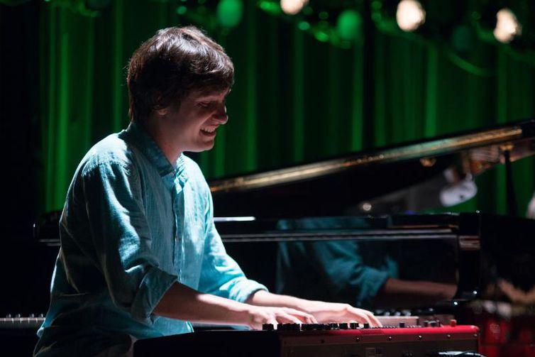 Pianista Antônio Guerra é destaque no Partituras