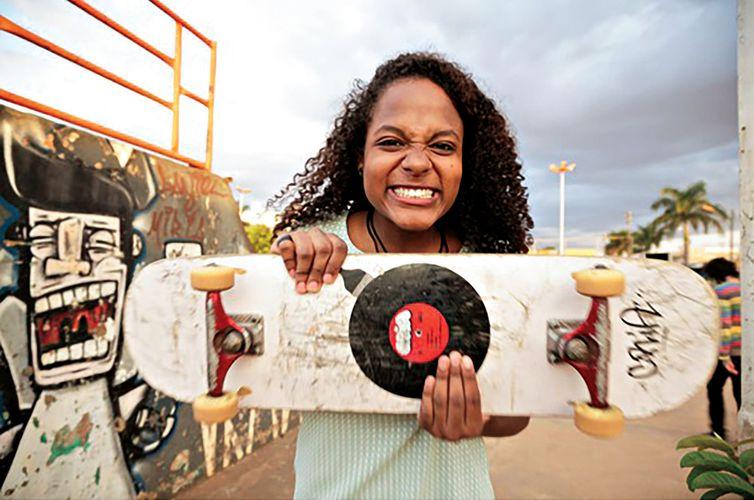 Meu skate não é enfeite conta a história de coletivo de skatistas em Goiânia