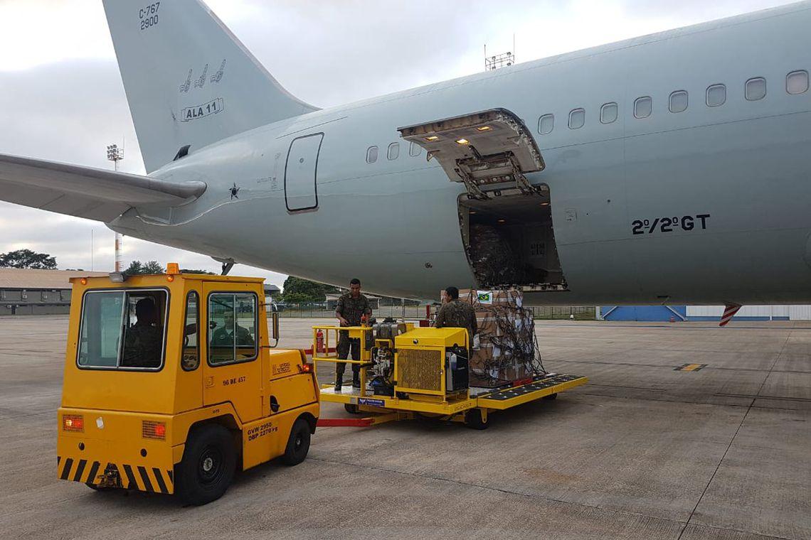 Avião da FAB saiu de Brasília com quase 23 toneladas de leite em pó e 500 kits de primeiros socorros com destino a Boa Vista, Roraima, para a ajuda humanitária colocada à disposição dos venezuelanos