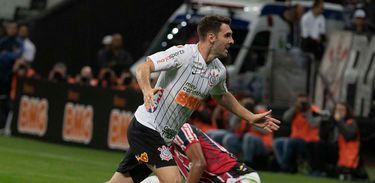 Corinthians 4 x 1 Botafogo-SP