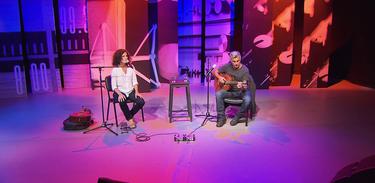 Guinga e Anna Paes se apresentam no estúdio do Ao vivo entre amigos