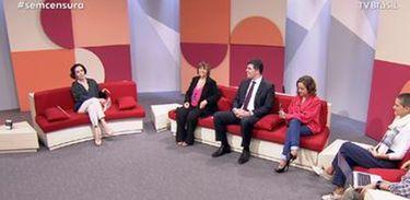 Vera Barroso em seu programa Sem Censura, na TV Brasil