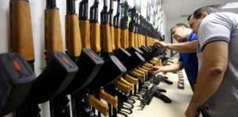 Tráfico internacional de armas.