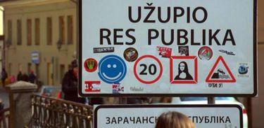 """Um """"país"""" fundado por artistas: Užupis, a menor república do mundo"""