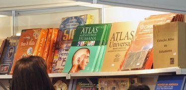 Crianças participam da 1 Bienal do Livro e da Leitura de Brasília
