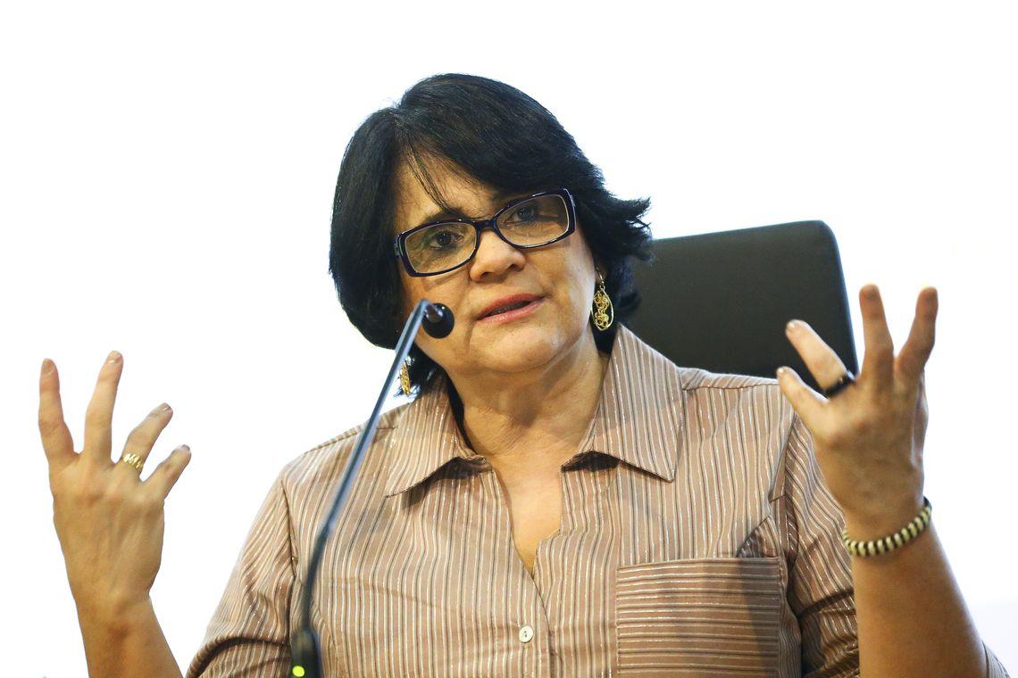 A ministra das Mulheres, Família e Direitos Humanos, Damares Alves, durante evento em comemoração ao Dia Nacional do Cigano.