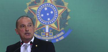O ministro da Casa Civil, Onyx Lorenzoni, discursa na solenidade de transmissão de cargos, no Palácio do Planalto.