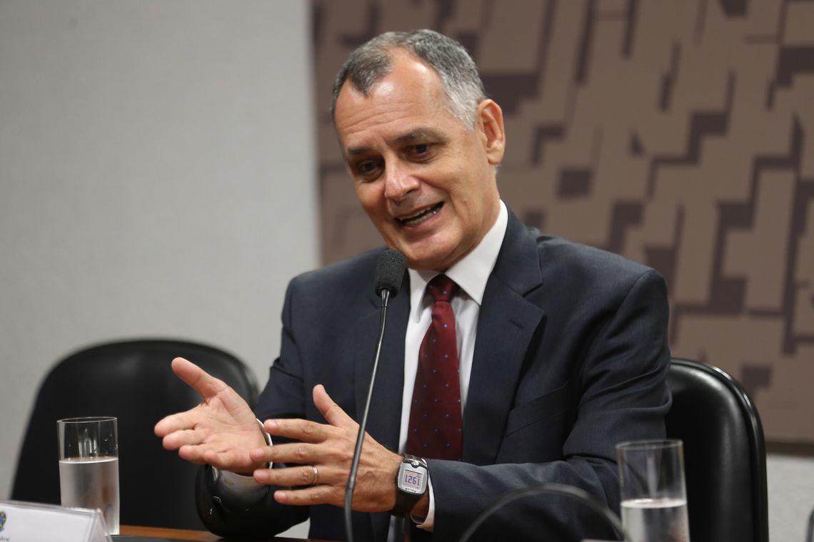 Brasília - Diretor do Centro de Estudos Estratégicos da Escola Superior de Guerra, general-de-brigada José Eustáquio Nogueira Guimarães, debate aumento da insegurança internacional (Fabio Rodrigues Pozzebom/Agência Brasil)
