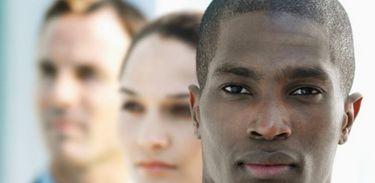 Preconceito contra executivos negros em discussão