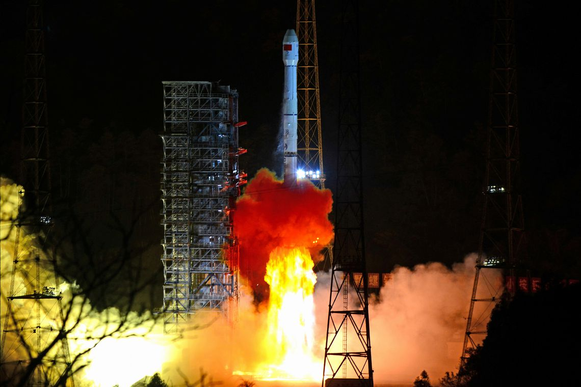 A Long March-3B rocket carrying Chang'e 4 lunar probe takes off from the Xichang Satellite Launch Center in Sichuan province, China December 8, 2018.  REUTERS/Stringer ATTENTION EDITORS - THIS IMAGE WAS PROVIDED BY A THIRD PARTY. CHINA OUT.