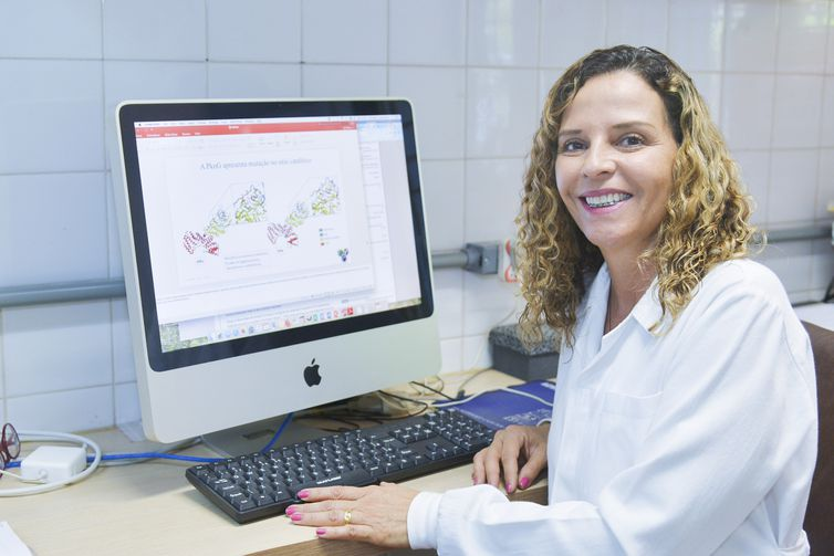 Ana Paula Junqueira Kipnis, pesquisadoras da UFG