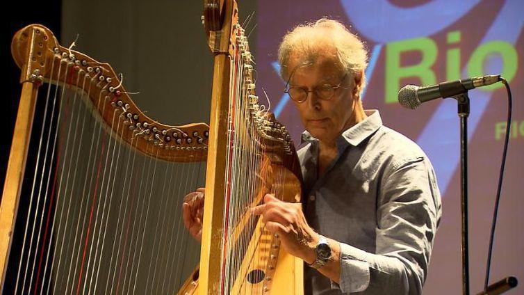 Jacques Vandevelde e suas harpas