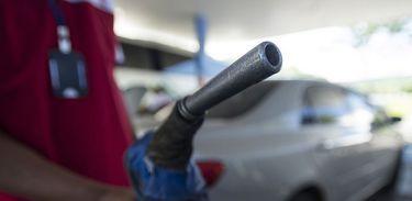 Saiba o que os postos de gasolina podem ou não cobrar no aumento