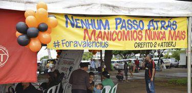 Protesto contra manicômios