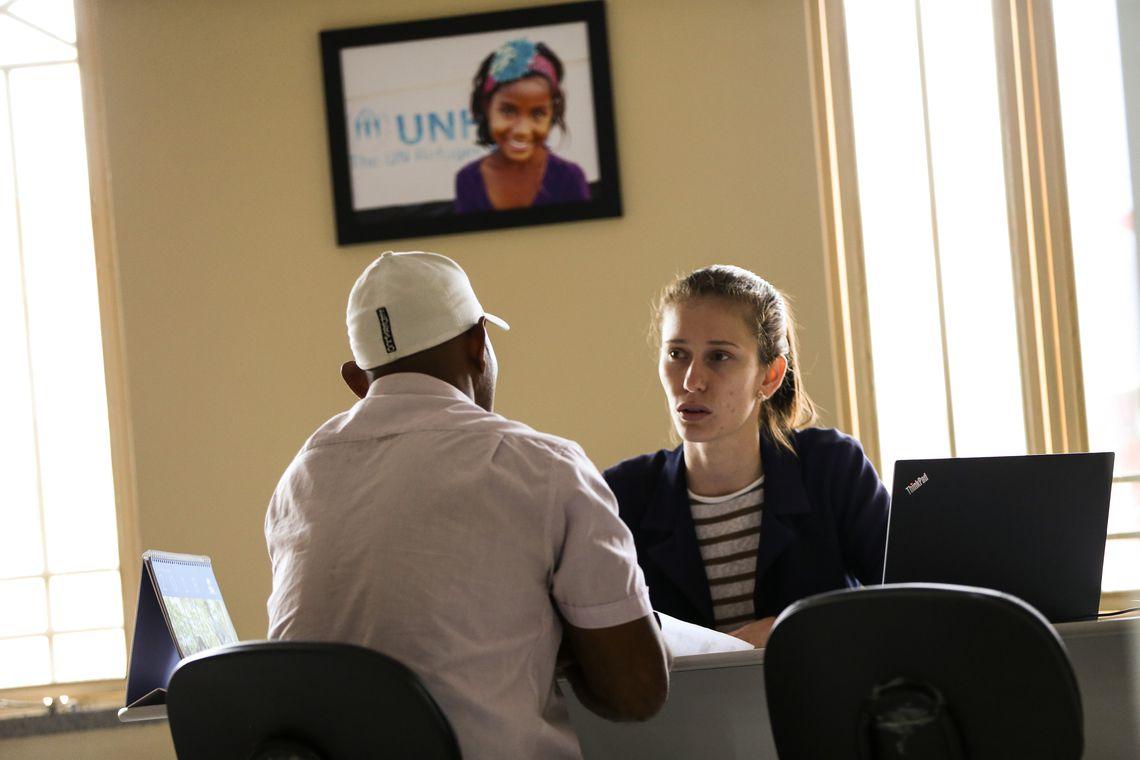 Imigrantes venezuelanos recebem atendimento em centro de referência na Universidade Federal de Roraima.