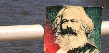 Camarote.21 exibe programa especial sobre Karl Marx