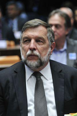 Flávio Arns é eleito senador pelo Paraná.