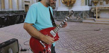 """Pio Lobato é um dos principais responsáveis pelo reconhecimento da""""guitarrada"""""""