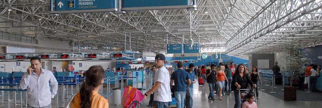 Movimentação no Aeroporto Internacional do Rio de Janeiro (Galeão) Foto: Wilson Dias/Abr