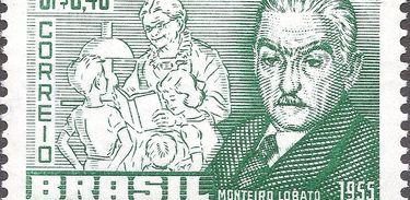 Selo postal de 1955 emitido em homenagem a Monteiro Lobato. Atrás dele estão Dona Benta e Pedrinho.