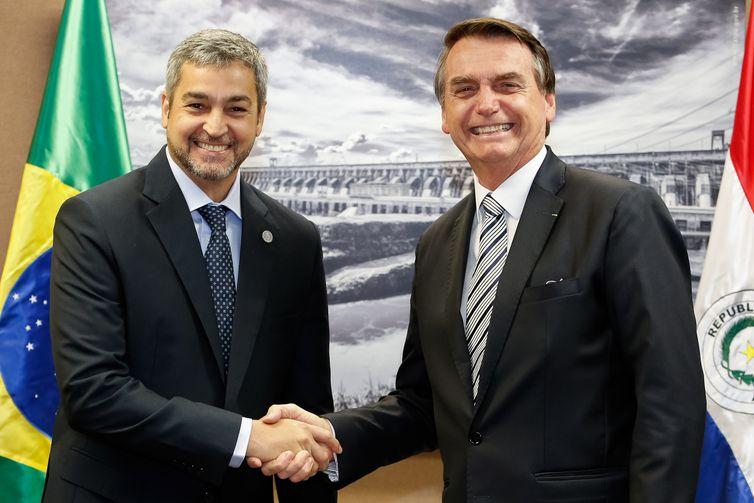 O presidente Jair Bolsonaro durante encontro com o presidente do Paraguai, Mário Abdo Benitez.