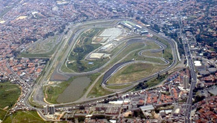 Vista aérea do Autódromo de Interlagos, onde no domingo (12) será realizado o Grande Prêmio Brasil de Fórmula 1