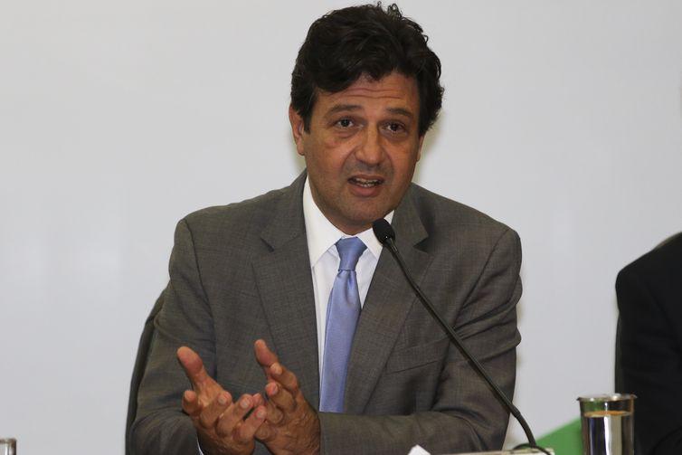 O ministro da Saúde, Luiz Henrique Mandetta, durante anúncio de medidas destinadas a pacientes com Epidermólise Bolhosa.