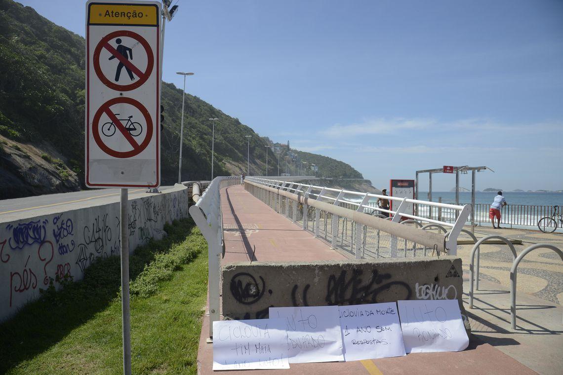 Rio de Janeiro - Ato na Ciclovia Tim Maia, em São Conrado, lembra os dois mortos há um ano na queda de parte do equipamento (Tomaz Silva/Agência Brasil)